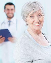 mujer-mayor-saludable-clinica-vascular-de-bogota